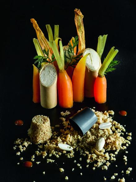 Carottes de sable des Landes confites faux sable et parfait glacé aux arachides de Soustons