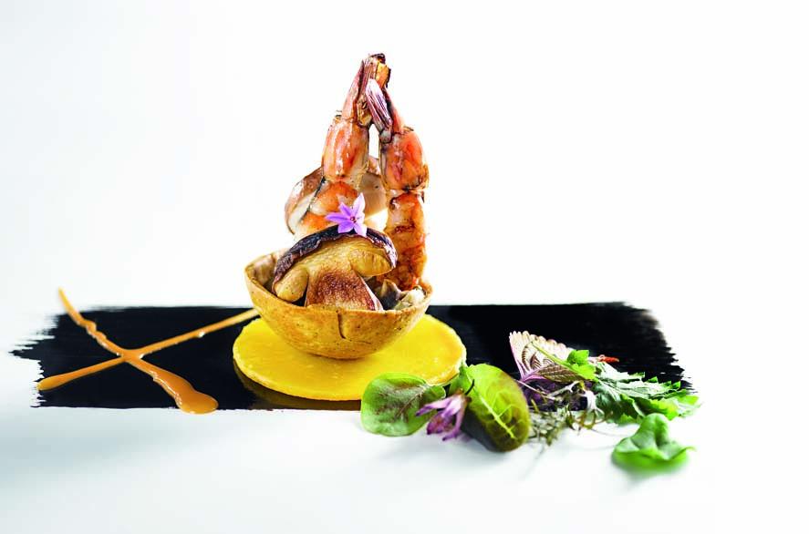 Tarte fine aux gambas du Médoc et cèpes, butternut confite aux agrumes