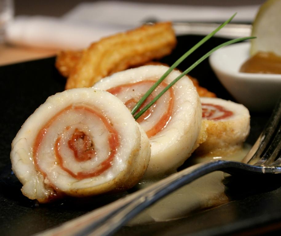 Filets de sole roulés au Jambon de Bayonne, petit jus au cidre basque