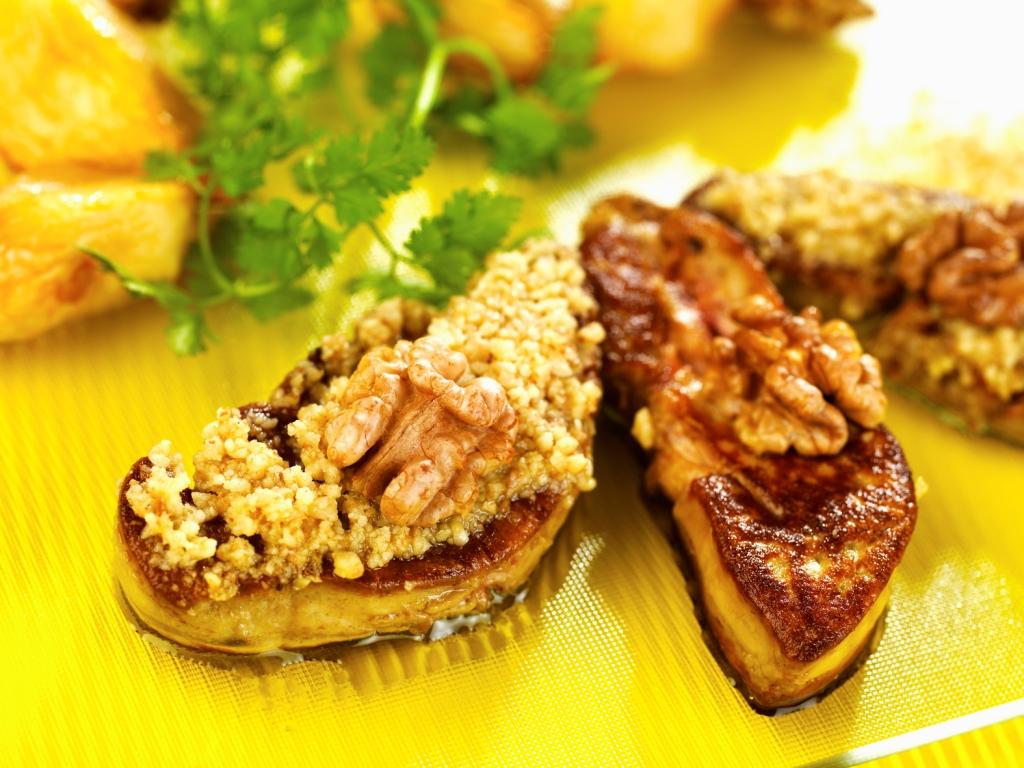 Foie gras du Sud-Ouest pané miel et Noix du Périgord
