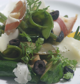 Fricassée de petits légumes à la tomme des Pyrénées et jambon de Bayonne