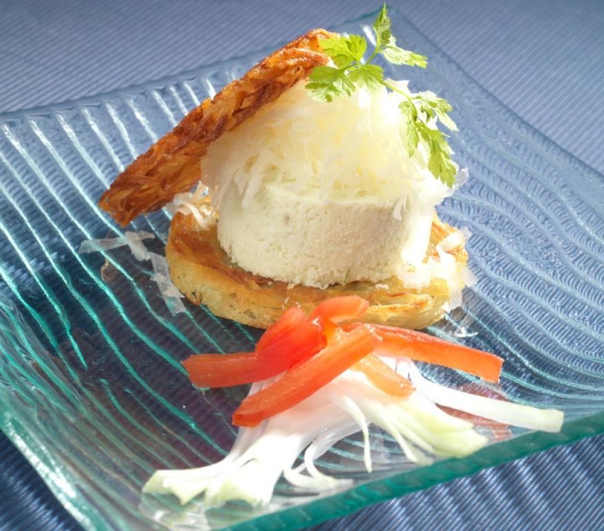 Petit hamburger mousseline d'oignons nouveaux et Ossau-Iraty
