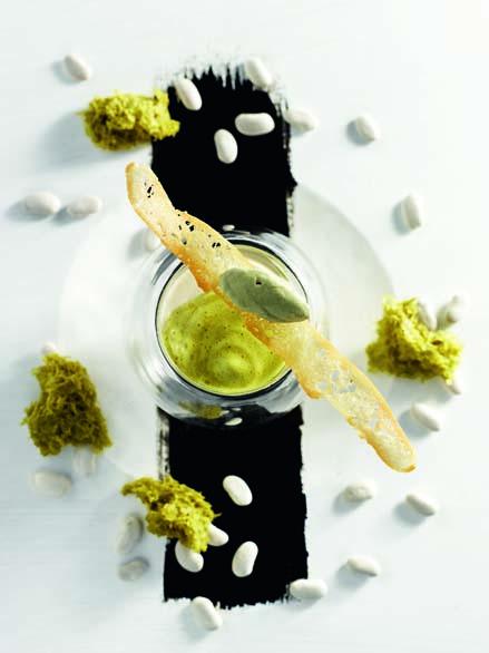 Cappuccino de haricots tarbais à l'huile de pépins de courge