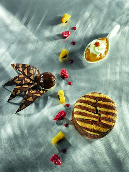 Moelleux chocolat, chutney banane, caramel et rhum