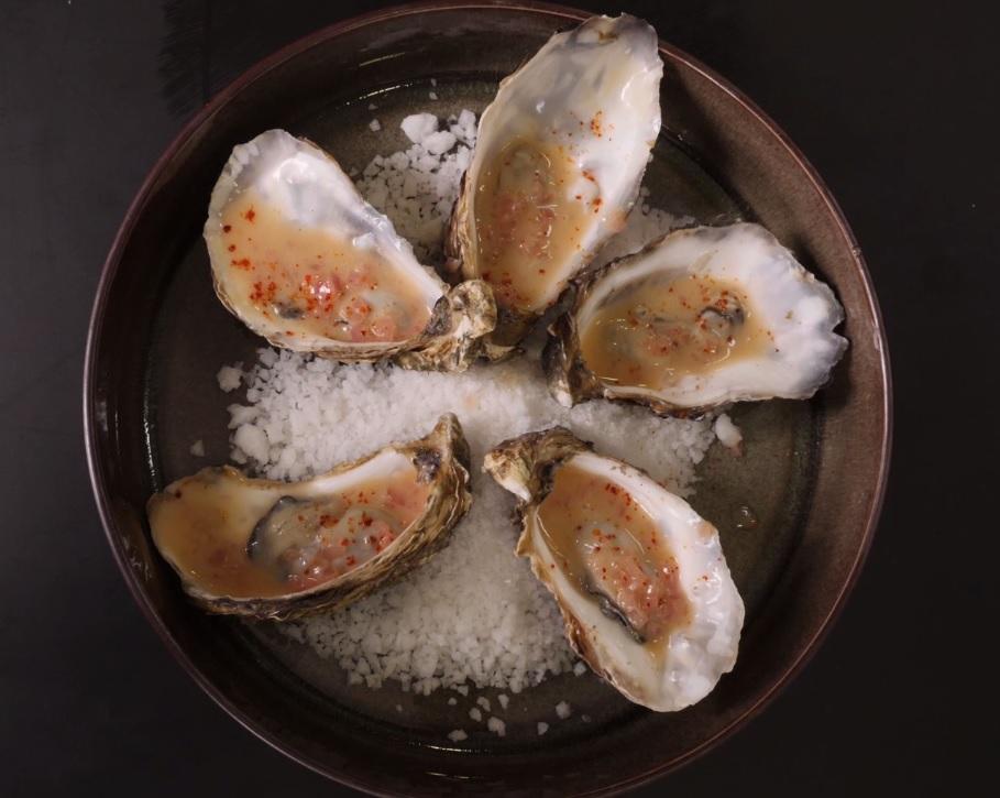 Huîtres Arcachon Cap Ferret pochées au beurre blanc rochelais