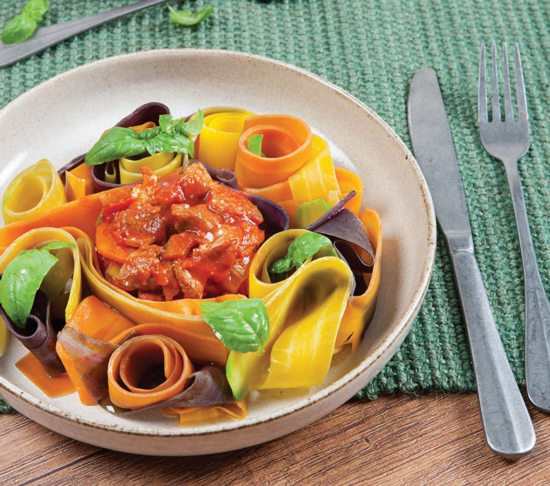 Tagliatelles de légumes à la bolognaise de chevreau